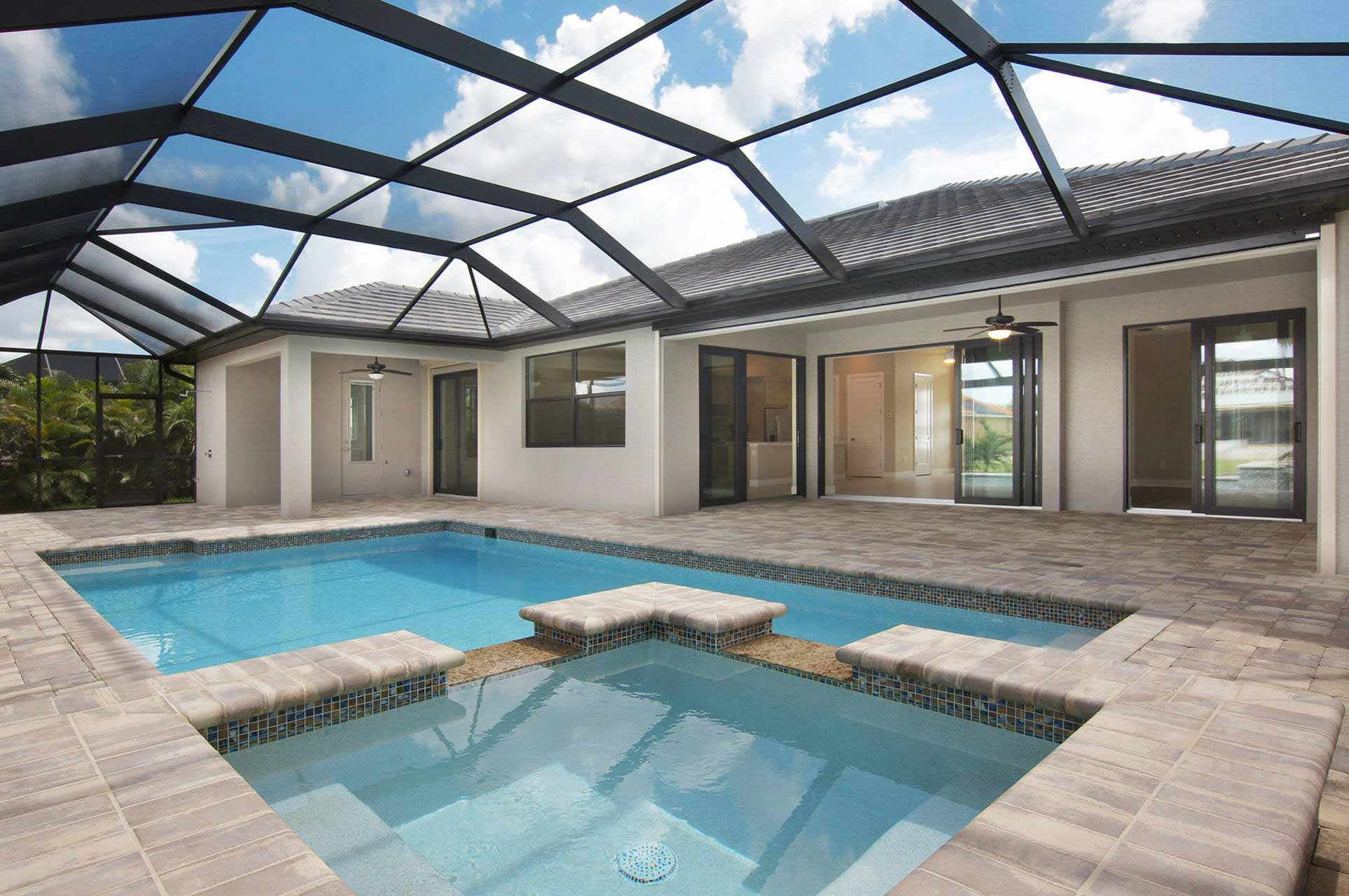 Neubau in Cape Coral mit Pool